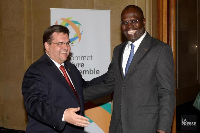 Le maire Denis Coderre en juin 2015 avec... (PHOTO BERNARD BRAULT, ARCHIVES LA PRESSE)