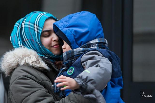 Lalla Mohammed Ahmed et son garçon de bientôt... (photoIVANOH DEMERS, LA PRESSE)