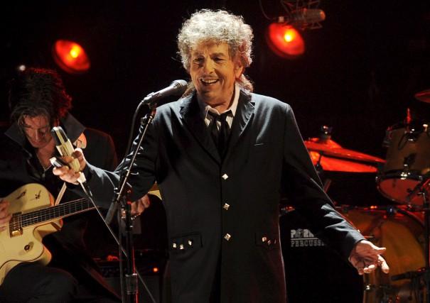 Bob Dylan en spectacle à Los Angeles, en... (AP, Chris Pizzello)