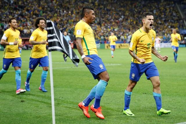 Le Brésil a remporté une victoire de 3-0... (Photo Nacho Doce, Reuters)