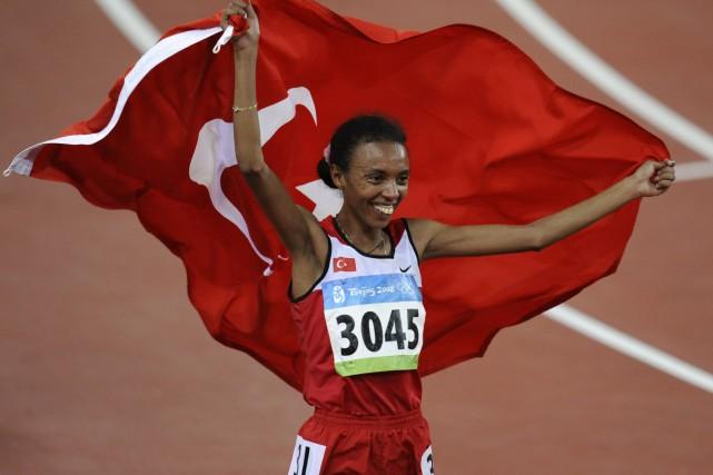 La coureuse turque Elvan Abeylegesse a remporté des... (Photo archives AFP)