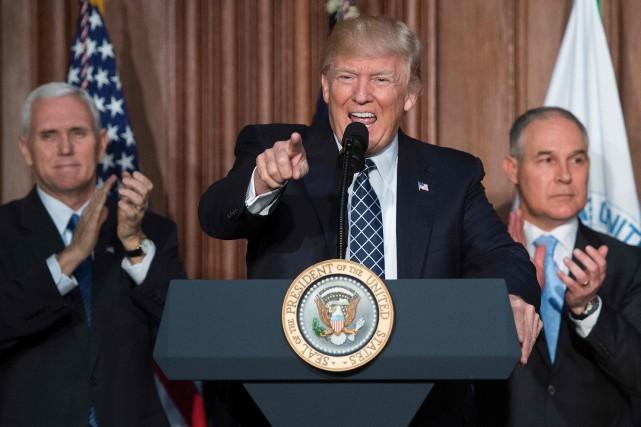 Le président Donald Trump clame la fin de... (AFP)