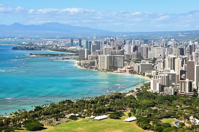 La plage de Waikiki, à Honolulu... (123RF/Maridav)