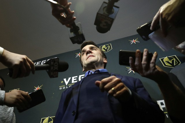 Le direcreur général des Golden Knights, George McPhee... (PHOTO John Locher, ARCHIVES AP)
