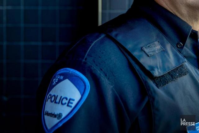 Les policiers ne patrouilleront avec les armes longues... (PHOTO MARCO CAMPANOZZI, ARCHIVES LA PRESSE)