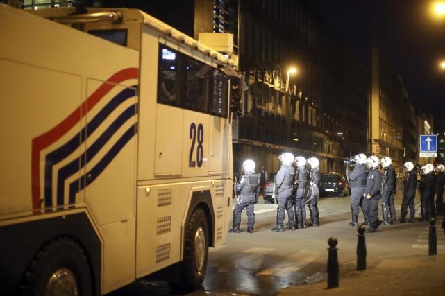 Ces incidents interviennent alors que les Turcs résidant... (PHOTO AP)