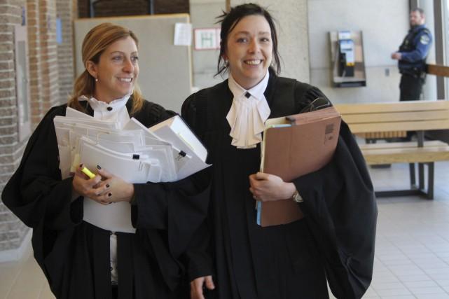 Les procureures aux poursuites criminelles dans le dossier... (La Tribune, René-Charles Quirion)