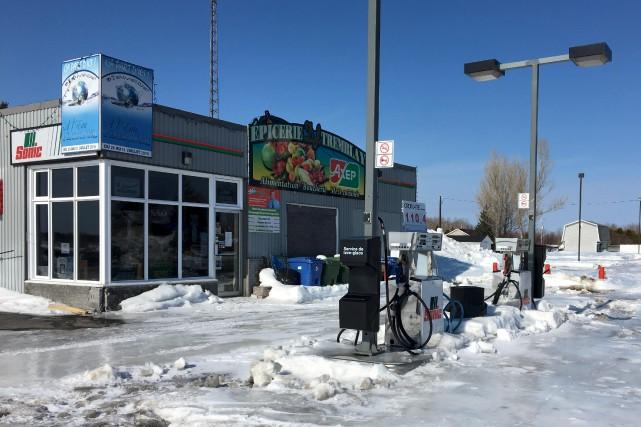 L'épicerie-dépanneur de Péribonka, fermée depuis novembre, devrait rouvrir... (tirée d'Internet)