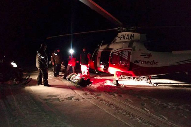 Le motoneigiste a été évacué d'urgence par hélicoptère.... (Courtoisie Airmedic)