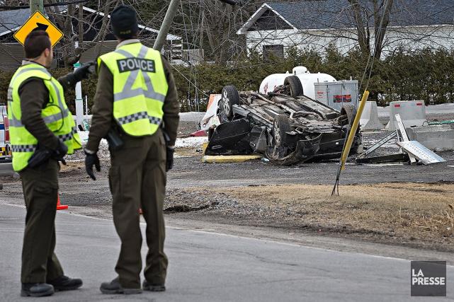 L'automobiliste a perdu le contrôle de son véhicule... (Patrick Sanfaçon, La Presse)