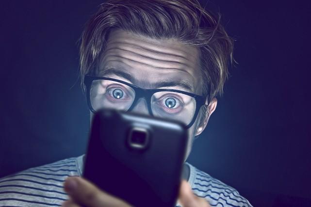 Selon des études scientifiques,les réseaux sociaux, les sites... (123RF /Lassedesignen)