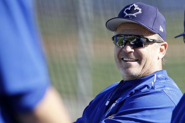 L'entraîneur John Gibbonsest maintenant sous contrat jusqu'à la... (Photo Kim Klement, USA TODAY Sports)
