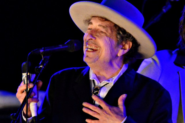 Bob Dylan avait refusé l'invitation à la traditionnelle... (PHOTO ARCHIVES REUTERS)