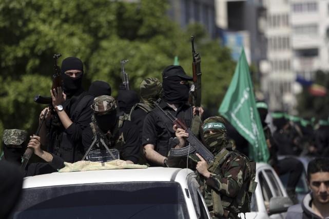 Des membres des Brigades Izz al-Din al-Qassam, la... (AP)