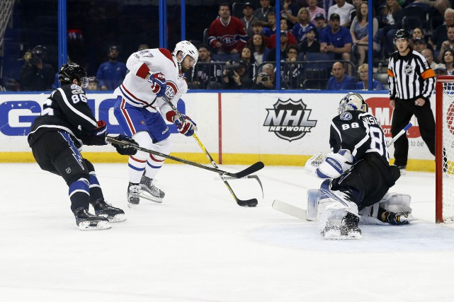 Alexander Radulov tente un tir face au gardien... (Photo Kim Klement, USA Today Sports)