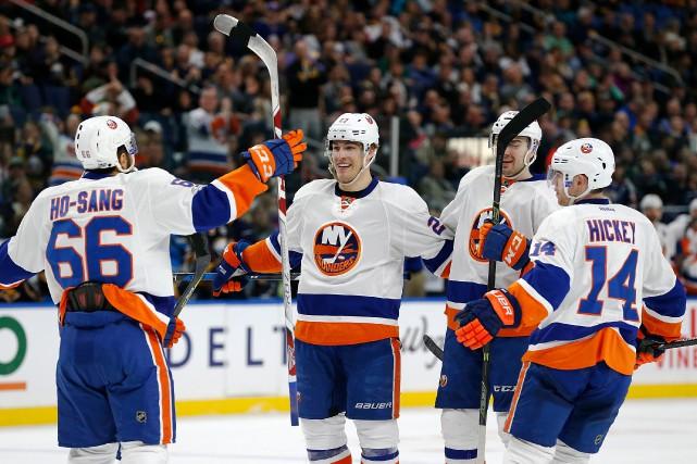 Anders Lee a inscrit deux buts en troisième période et les Islanders de New... (Photo Kevin Hoffman, USA TODAY Sports)