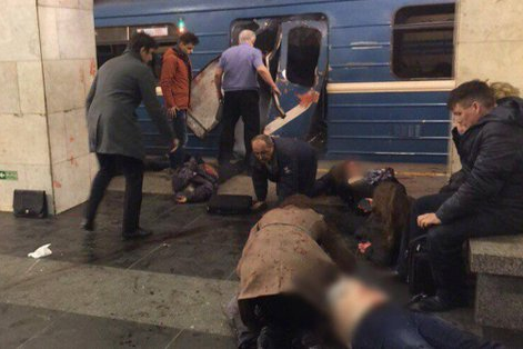 SAINT-PÉTERSBOURG, Russie - Une explosion dans une station de métro de... (Photo tirée de Twitter)