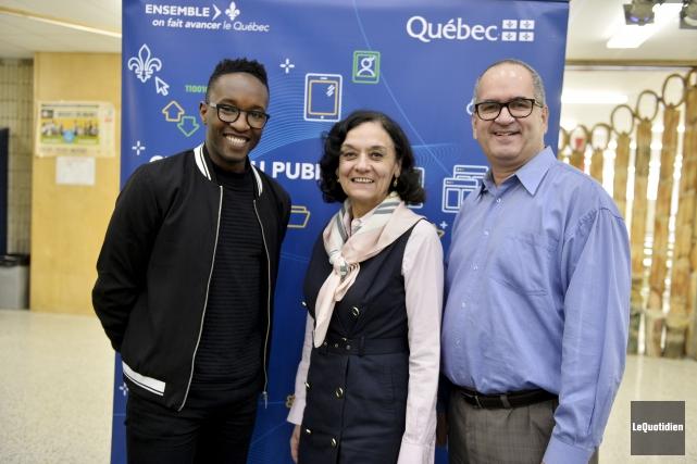 Nicolas Ouellet, porte-parole, Rita de Santis, ministre de... (Le Quotidien, Jeannot Lévesque)