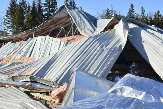 Lors de l'effondrement de l'aréna, trois personnes s'apprêtaient... (fournie par Info Dimanche, Marc-Antoine Paquin)