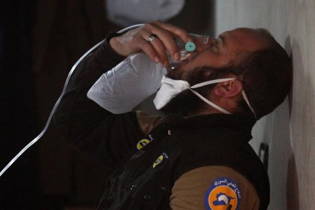 Le gouvernement syrien dément utiliser des armes chimiques... (Photo REUTERS)