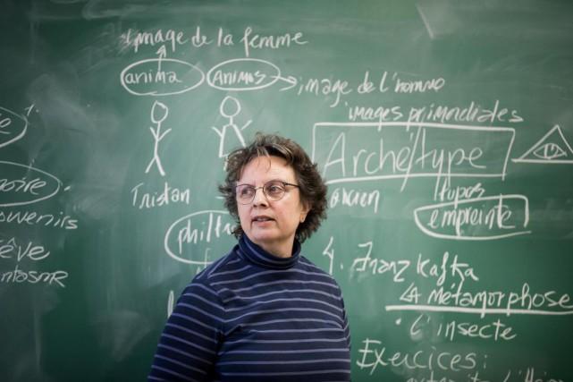 L'écrivaineFrance Boisvert donne le cours«Mythes dans la littérature... (PHOTO MARCO CAMPANOZZI, LA PRESSE)