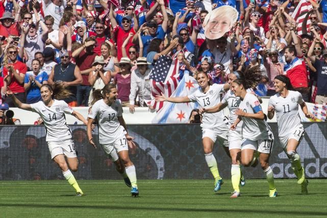 Les footballeuses américaines voulaient obtenir la même compensation... (Photo Jonathan Hayward, archives PC)