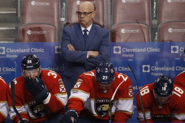 Rowe est devenu l'entraîneur-chef par intérim vers la... (PHOTO AP)