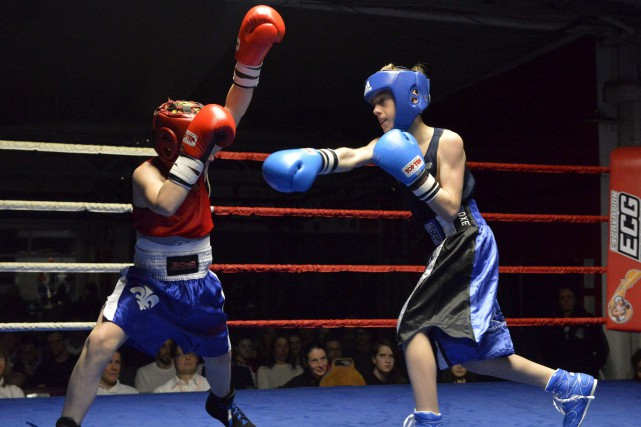 Emerick Croteau (à droite) a remporté son combat... (Spectre Média, Maxime Picard)