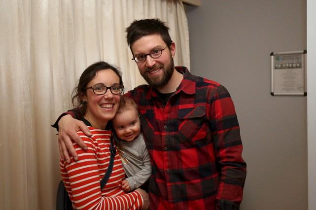 Ghislain Despatie, Céline Richard et leur enfant. Le... (Julie Catudal)