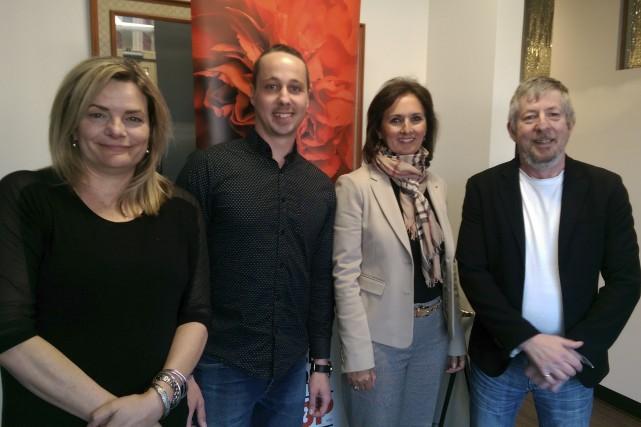 Sur la photo, Charles-AntoinePilotte (deuxième à gauche) est...