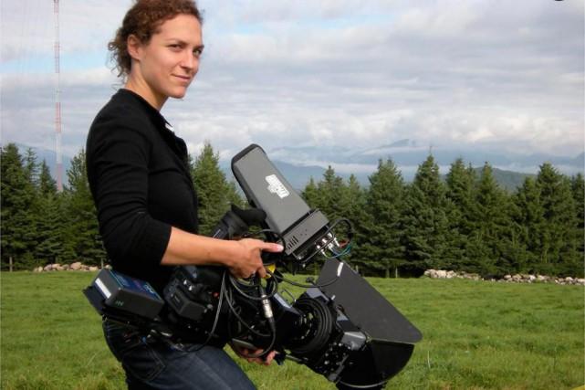 La réalisatrice Marie Belzil, sur le plateau de... (PHOTO MARIANO FRANCO, FOURNIE PAR L'ONF)
