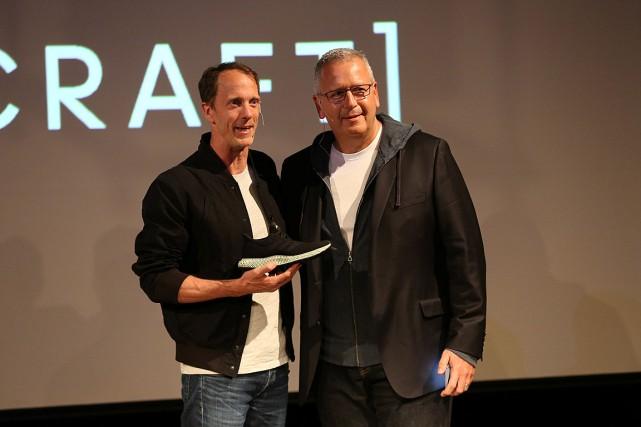 Eric Liedtke, membre du directoire d'Adidas, tient la... (Photo Joe Penney, REUTERS)