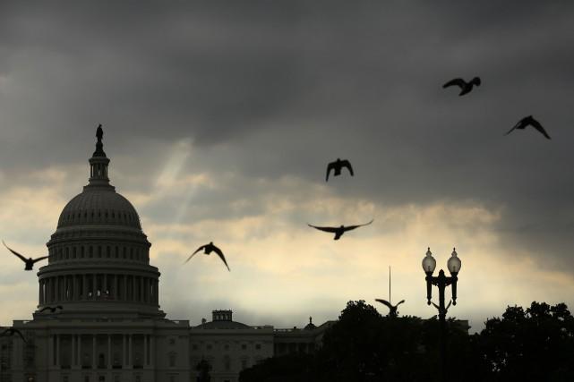 Le 24 mars, la majorité avait été contrainte... (Photo Kevin Lamarque, archives REUTERS)