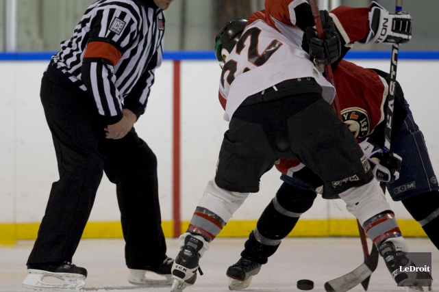 Un joueur de hockey d'une ligue récréative a... (Archives, Le Droit)