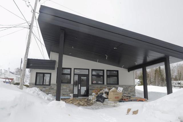 Un nouveau bâtiment d'accueil a été construit sur... (Le Progrès, Gimmy Desbiens)