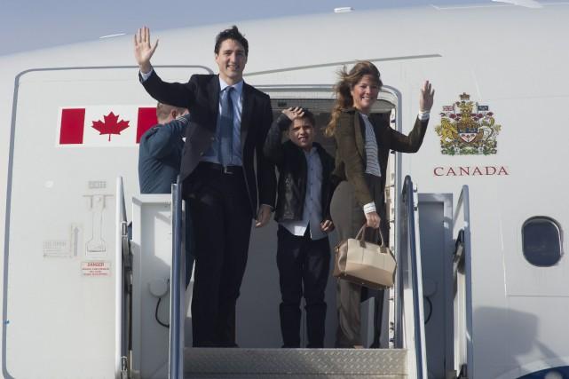 Justin Trudeau et Sophie Grégoire, ainsi que leur... (La Presse canadienne, Adrian Wylde)