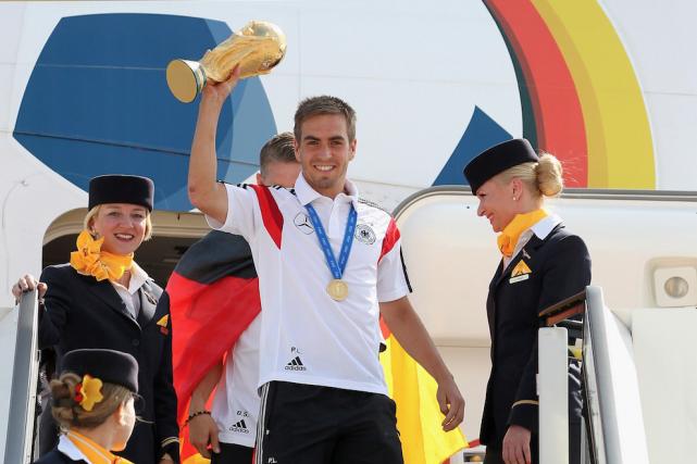 Philipp Lahm, capitainede l'Allemagne, championne de la Coupe... (Archives AP,Karina Hessland)