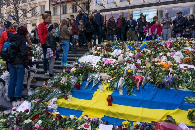 Des milliers de Suédois étaient réunis dimanche sur... (AFP, Jonathan Nackstrand)
