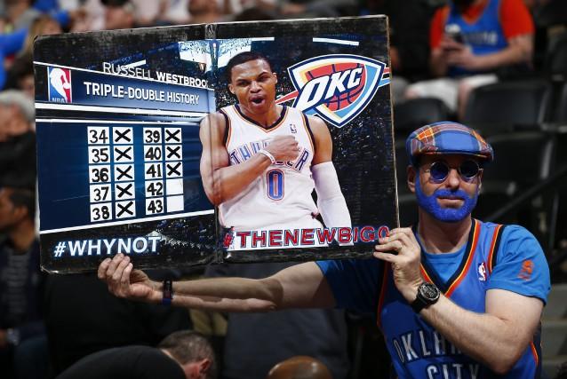 Le record est battu: Russell Westbrook a réussi... (photo Jack Dempsey, AP)