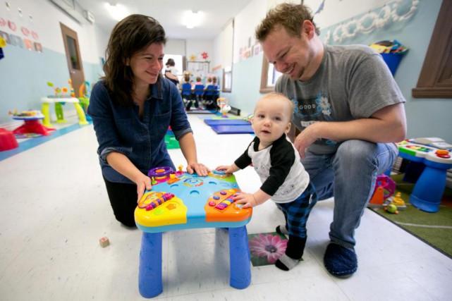 Mélanie Bergeron et Sylvain Bertrand, parents deLudovik, étaient... (PHOTO FRANÇOIS ROY, LA PRESSE)