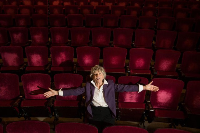 Clémence DesRochers s'ennuyait trop du public. Elle s'offre... (photoIVANOH DEMERS, LA PRESSE)
