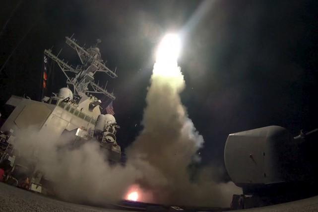 Quelque 60 missiles Tomahawk ont été tirés à... (Associated Press)