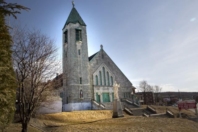 L'ancienne église Sainte-Jeanne-d'Arc, située rue Galt Ouest, semble... (Spectre Média, René Marquis)