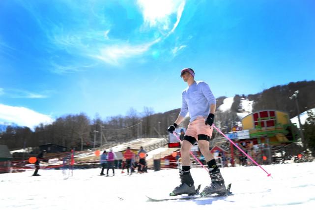 Skieurs et planchistes ont également pu profiter lundi... (Janick Marois)