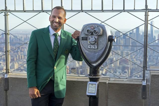Sergio Garcia, vêtu de son veston vert, au... (AP, Craig Ruttle)
