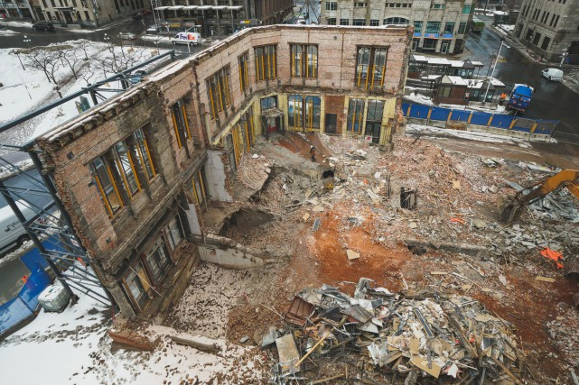 Conserver la façade et l'intégrer à l'architecture du... (Le Diamant, David Leclerc)