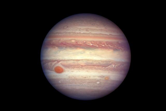 Jupiter, dans une image fournie par la NASA... (NASA, ESA A. Simon (GSFC) via AP)