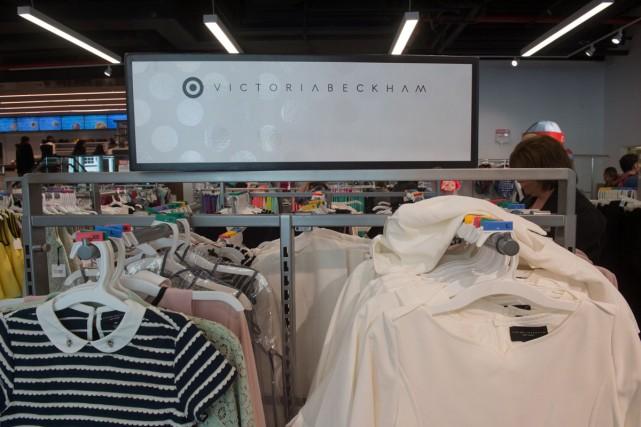 Victoria Beckham vend désormais sa très chic ligne...