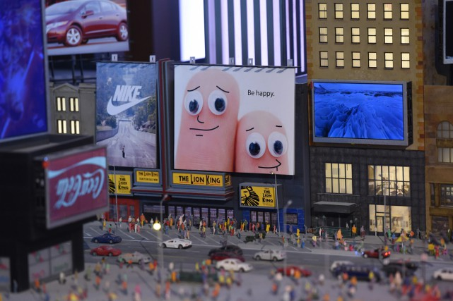 Une réplique miniature de Times Square.... (PHOTO AFP)
