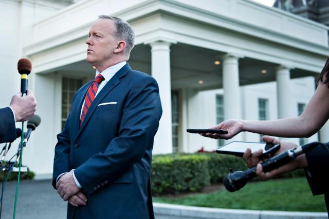 Sean Spicer, le porte-parole de la Maison-Blanche, a... (AFP, Brendan Smialowski)